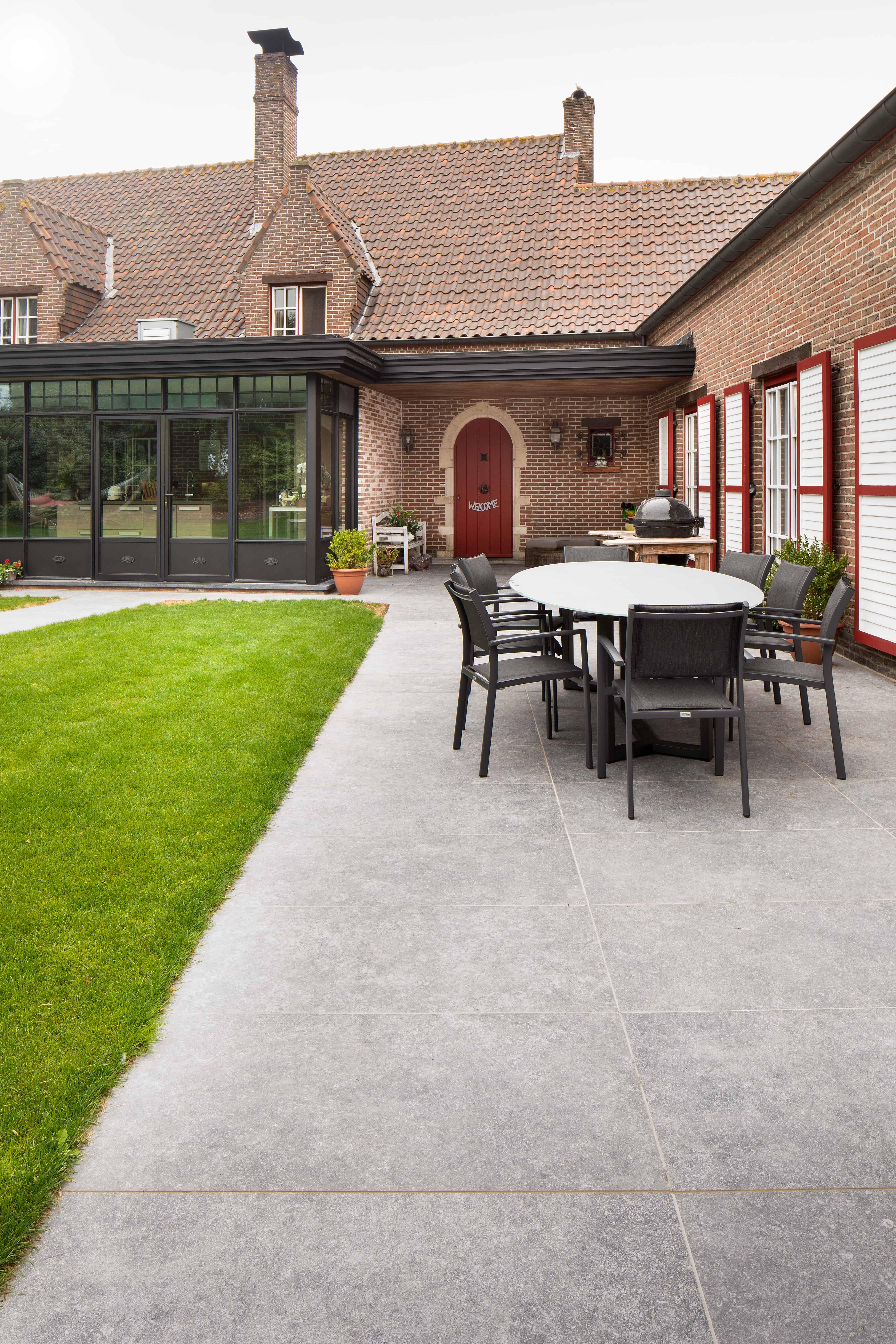 terras met natuursteen tegels - kortrijk - XXL natuursteen tegels