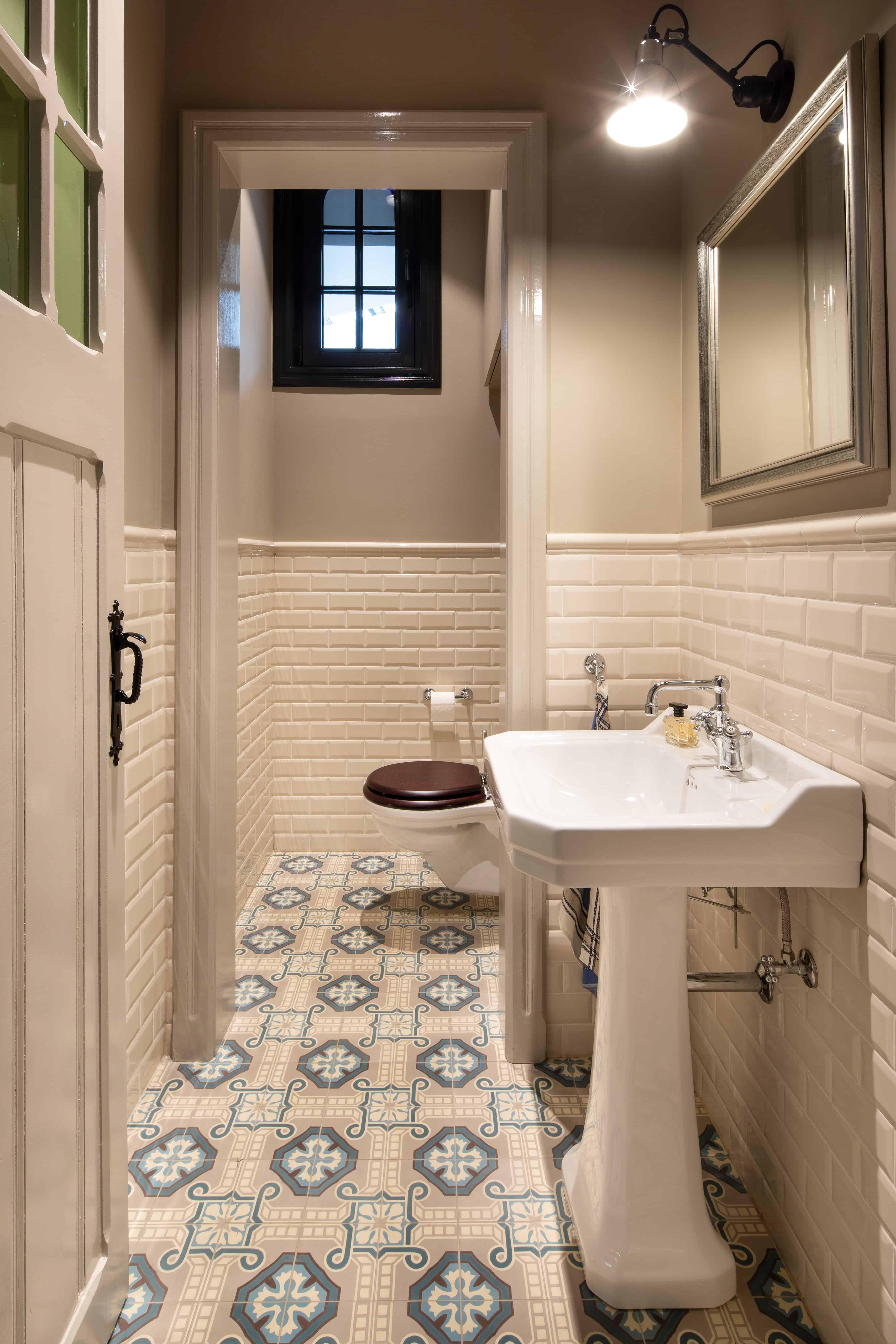 Badkamer met tegels met retromotief - Oostende