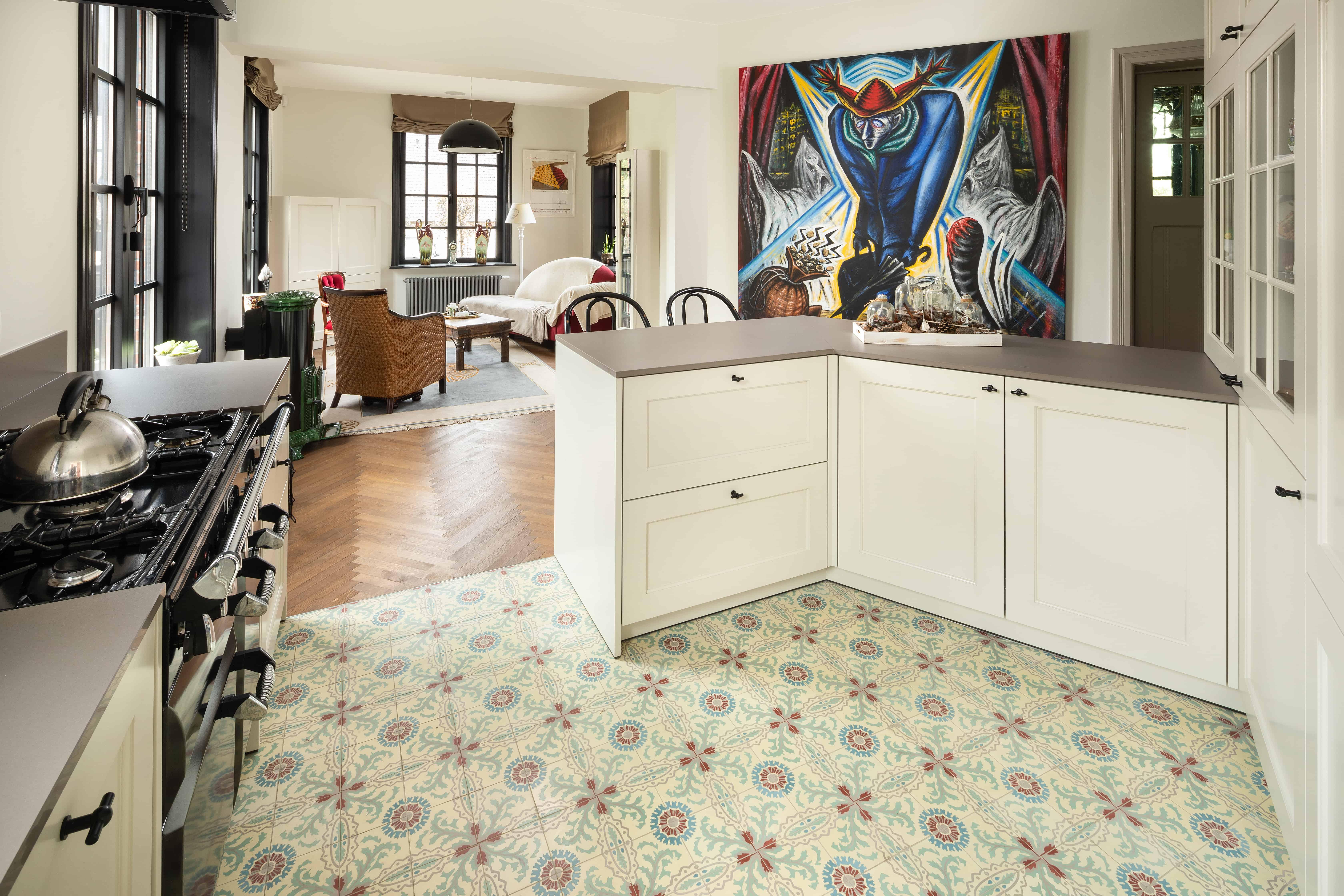 Open keuken met kleine tegels - rustiek, authentiek, speciale print, warm gevoel